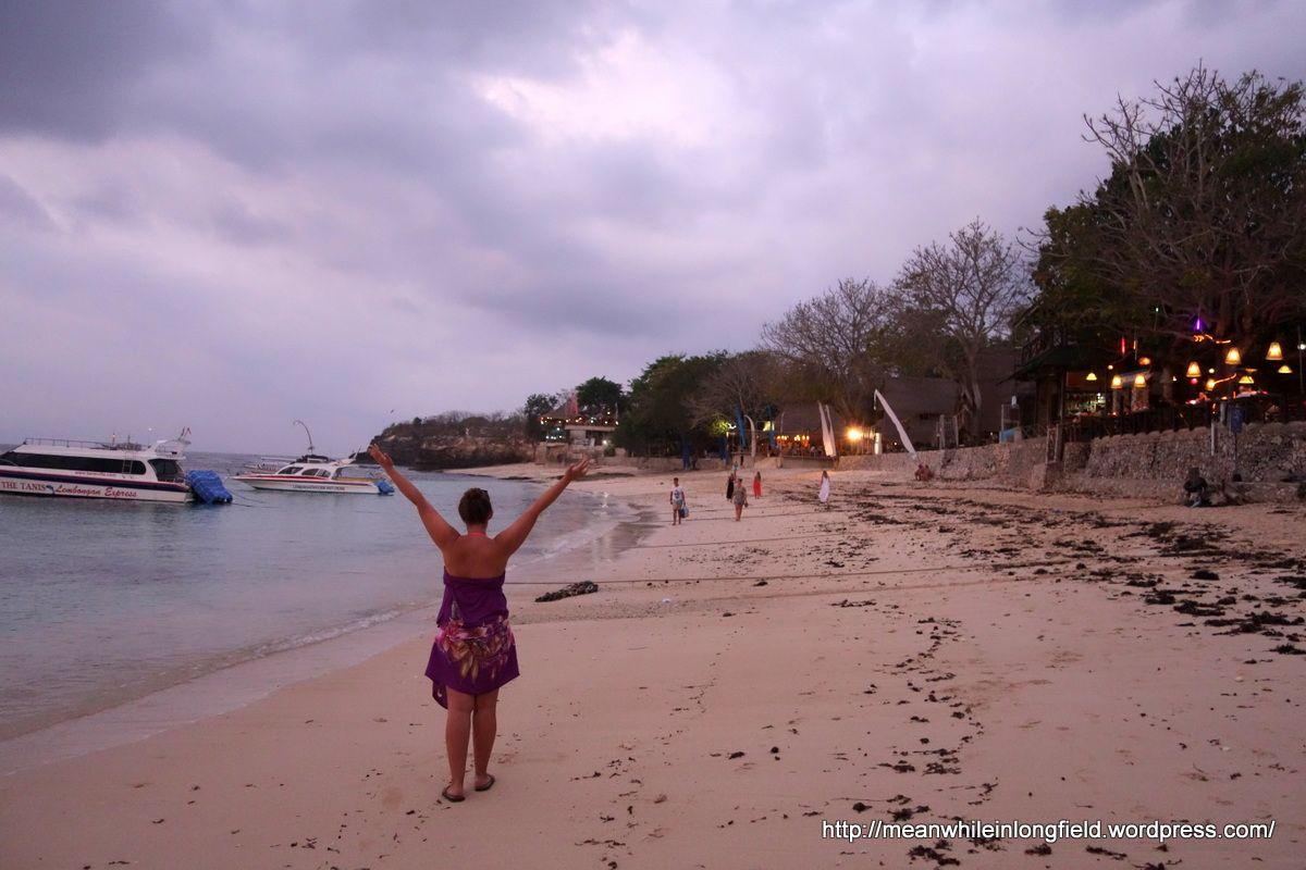 Bali Nusa Lembongan Mushroom beach and Mushroom Bay. Sunset. Nice! :)