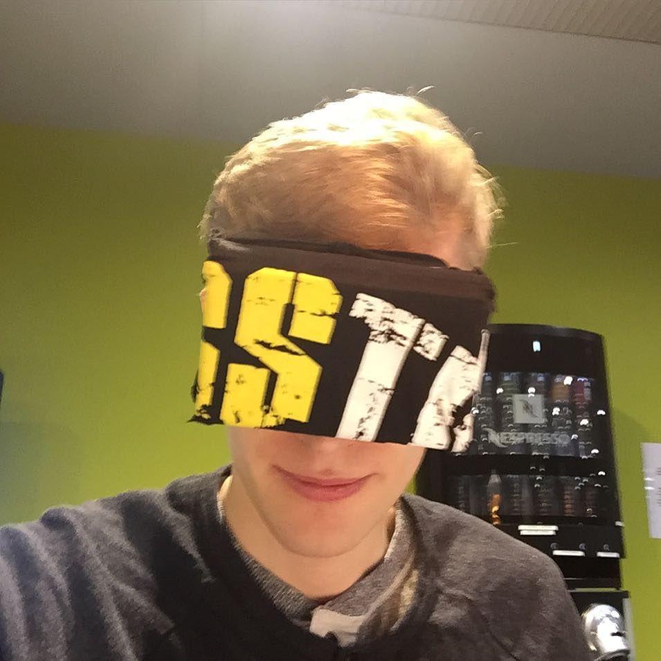 An awesome Virtual Reality pic! Testasin kaverin tuunaamaa Virtual Reality maskia kohta me katotaan leffoja ja pelataan pelejä vaan tämmösillä! #virtualreality by ronithegameryt check us out: http://bit.ly/1KyLetq