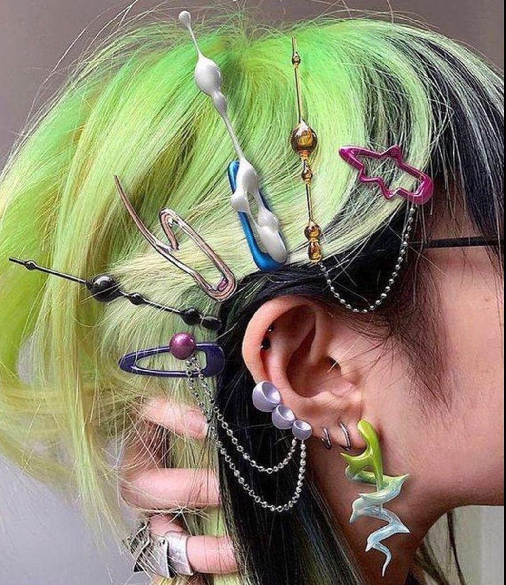 Home In 2021 Hair Clips Grunge Hair Aesthetic Hair