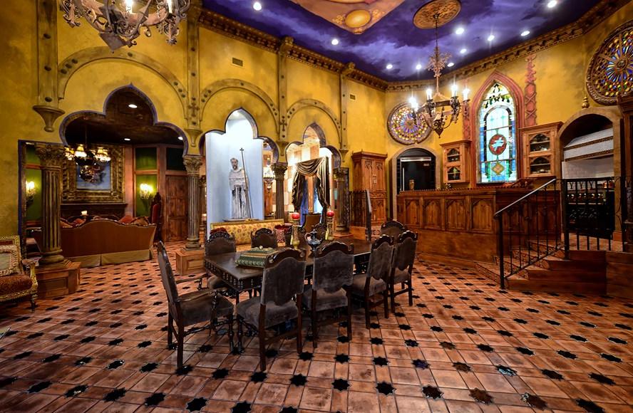 $2.395 Million Castle-Like Home In Sarasota, FL | Sarasota ...