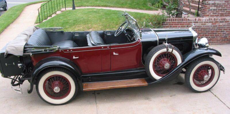 Image from http://www.motorera.com/lasalle/pics/1928touring-2.jpg.