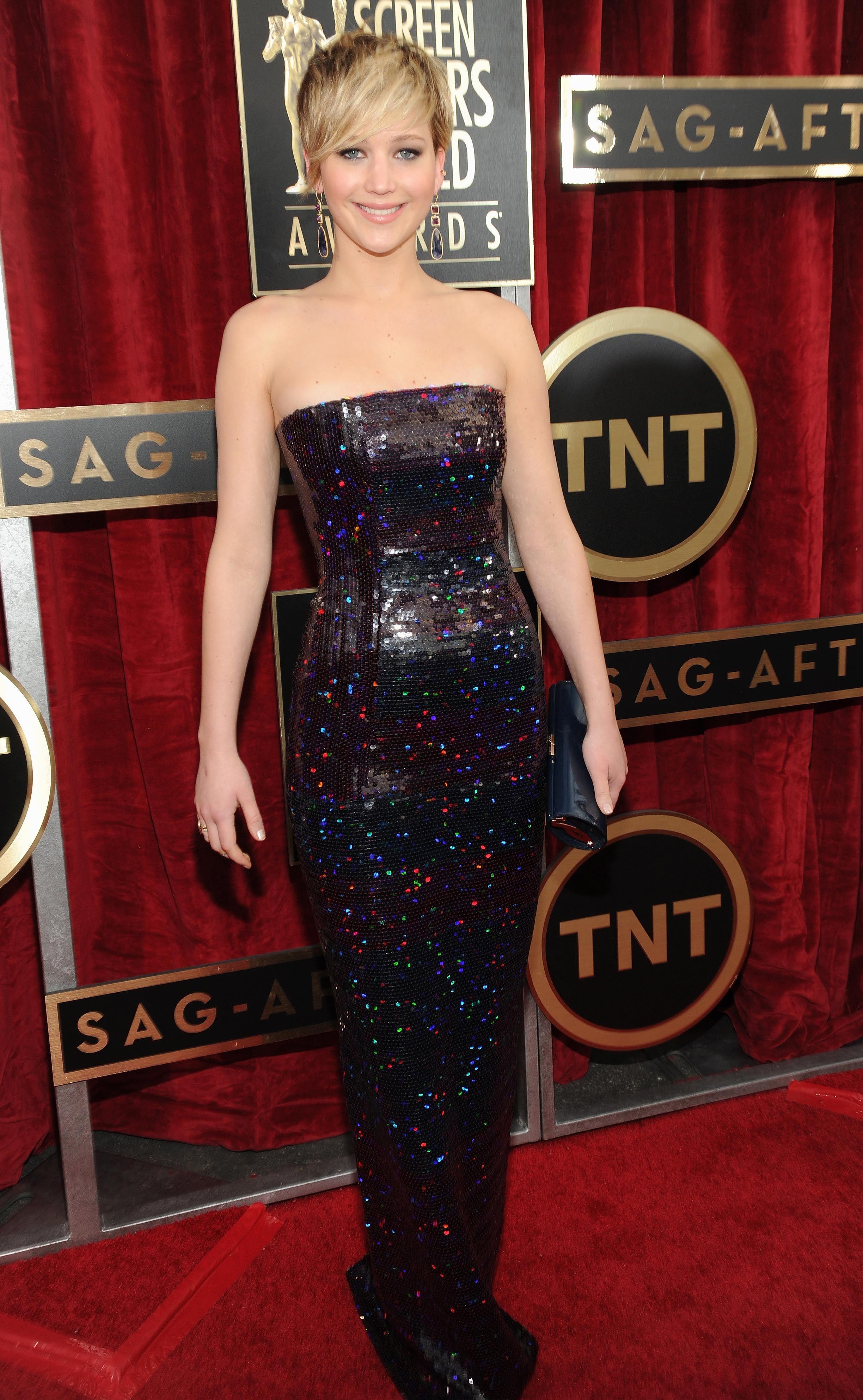 Sag Jennifer Lawrence1 Jpg 2448 3970 Vestidos Legais Vestidos Tapete Vermelho Ideias Fashion