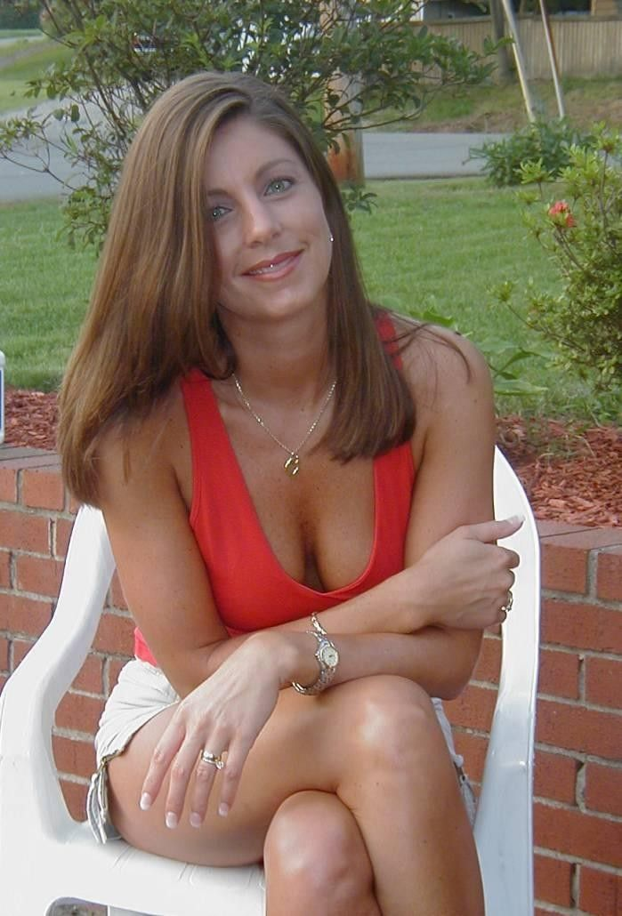 Mature naked women Galleries