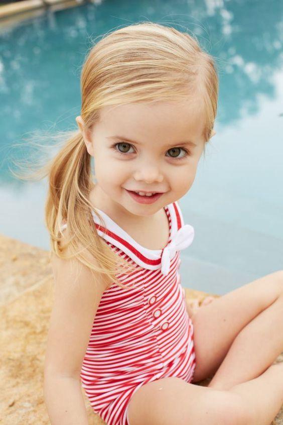 15+ entzückende Badeanzüge für kleine Mädchen | Kids