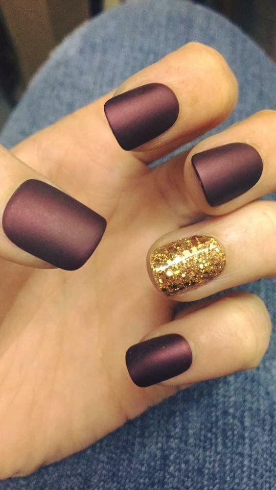 Photo of Matte burgundy and gold glitter accent nail   – Nails – #accent #Burgundy #Glitt…