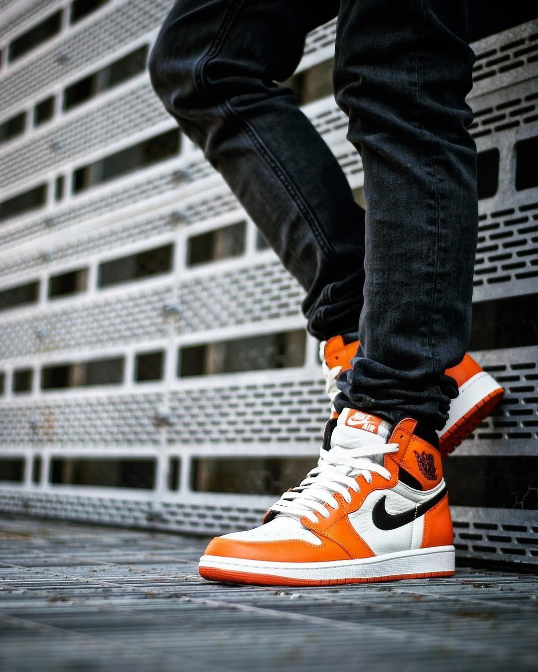 Shoes Air Jordan 1 Revese Shattered Backboard Sepatu
