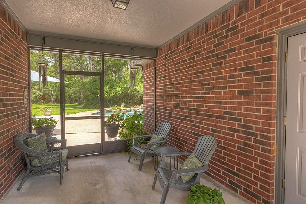 Screened In Patio Makeover