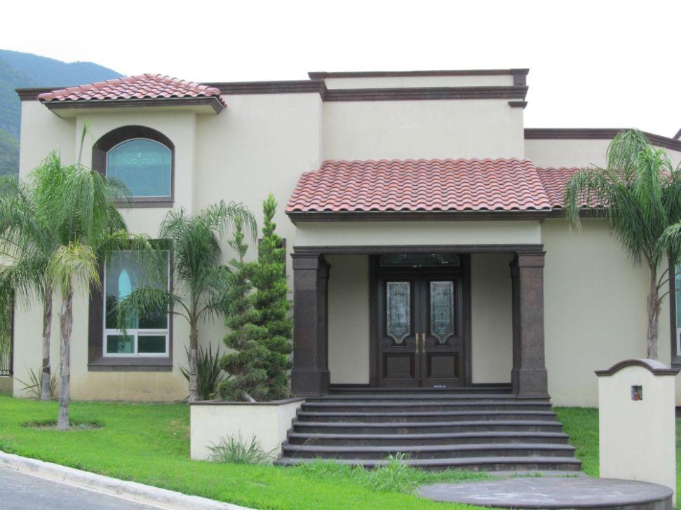 Peque a vivienda estilo tradicional exteriores r sticos e for Disenos de casas interiores y exteriores