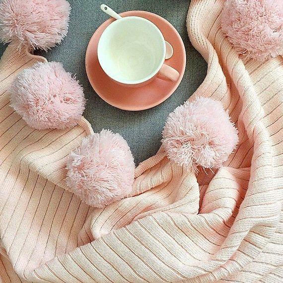 Merveilleux Pom Pom Soft Pink Throw Blanket Pastel Pink Sofa Throw Pink