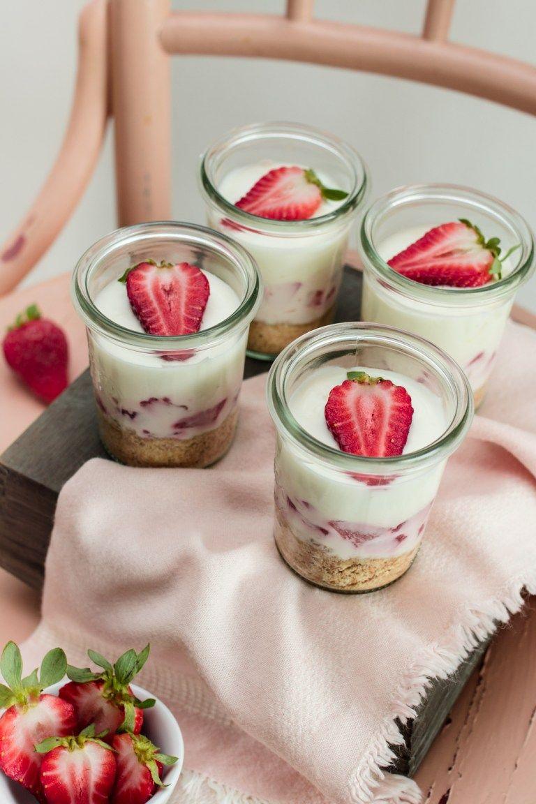 Erdbeer-Zitronen Cheesecake im Glas | LieberBacken