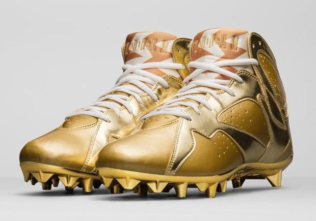 d735cfa99 Charles Woodson Gold Jordan Cleats For Pro Bowl