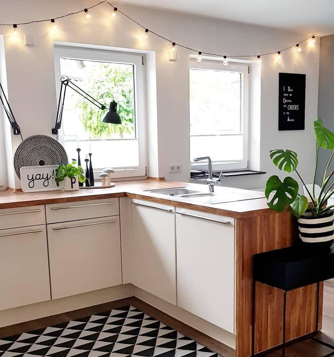 Modern Vibes In Dieser Wunderschönen Küche Stimmt Jedes Detail Tolle Deko Accessoires Im Skandinavischen Des Küchen Inspiration Haus Küchen Küche Schwarz Weiß