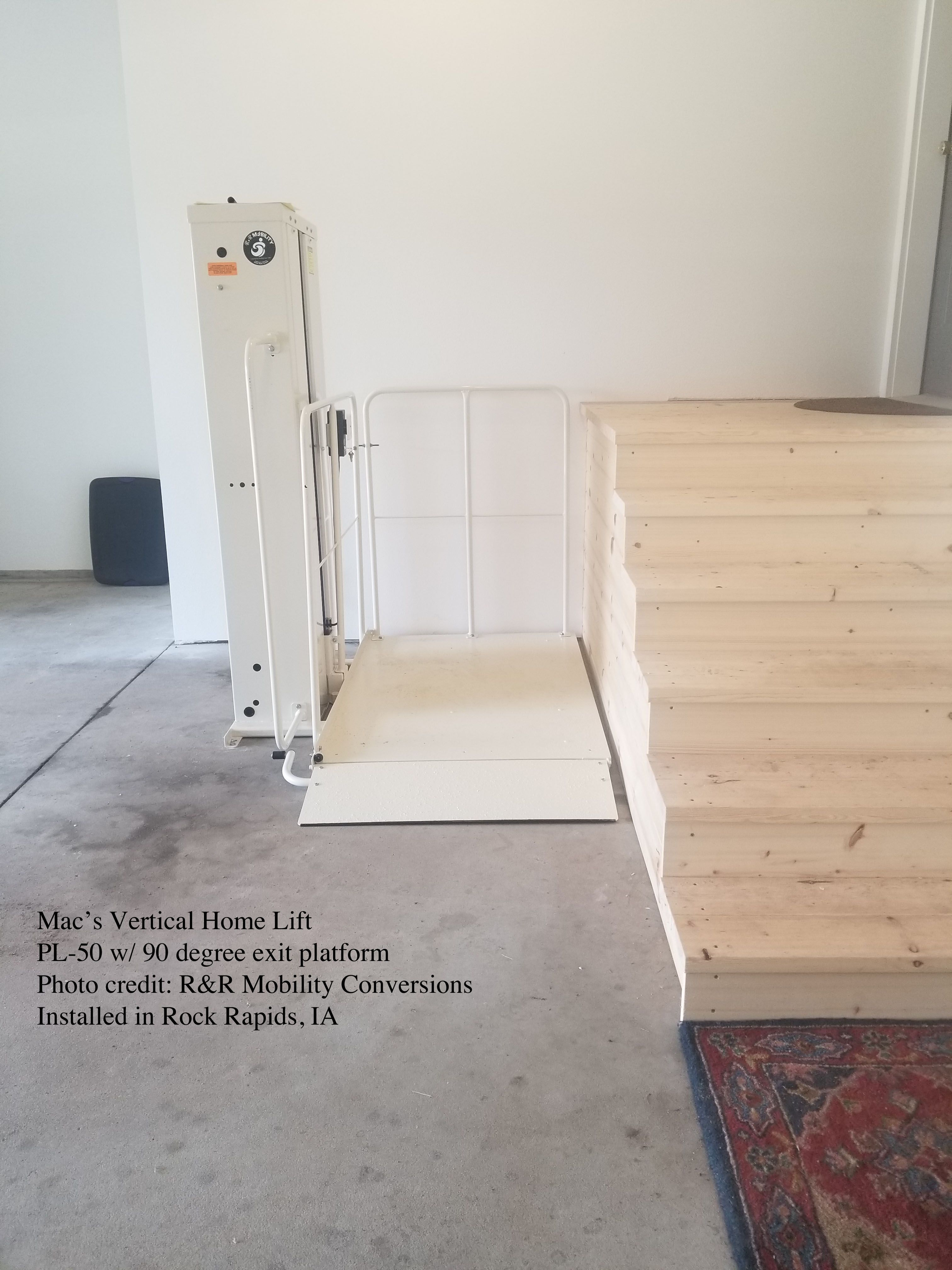 Mac S Vertical Home Lift Pl 50 Pl 72 Pl 90 Vpl Vertical Platform Lift Porch Lift Wheelchair Lift Handicapped Lift Handicap Lifts Home Universal Design