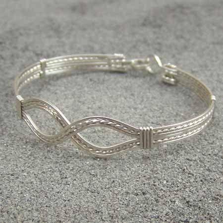Infinity Design Sterling Silver Wire Wred Bracelet