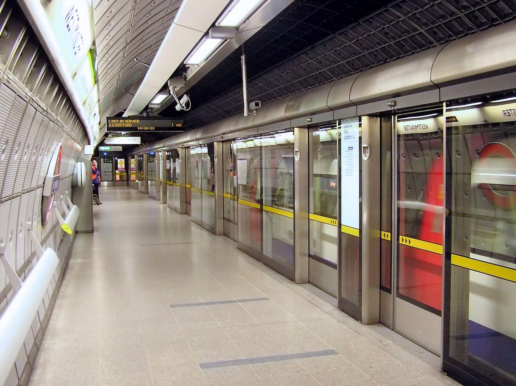 Westminster Tube Station Jubilee Arp Jpg 1770 1325 Trains  # Muebles Peekskill