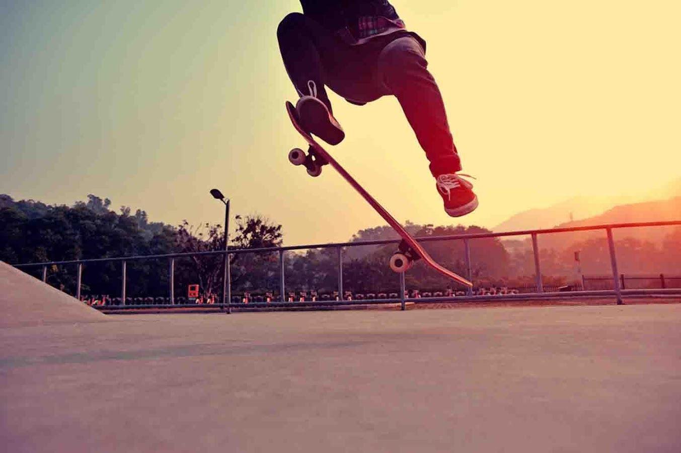 Risultati immagini per skateboard wallpaper
