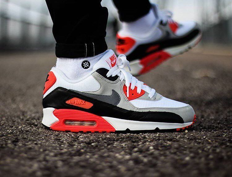 Air Max Infrared Outfit