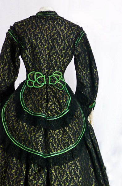 1868...Love the color combination!