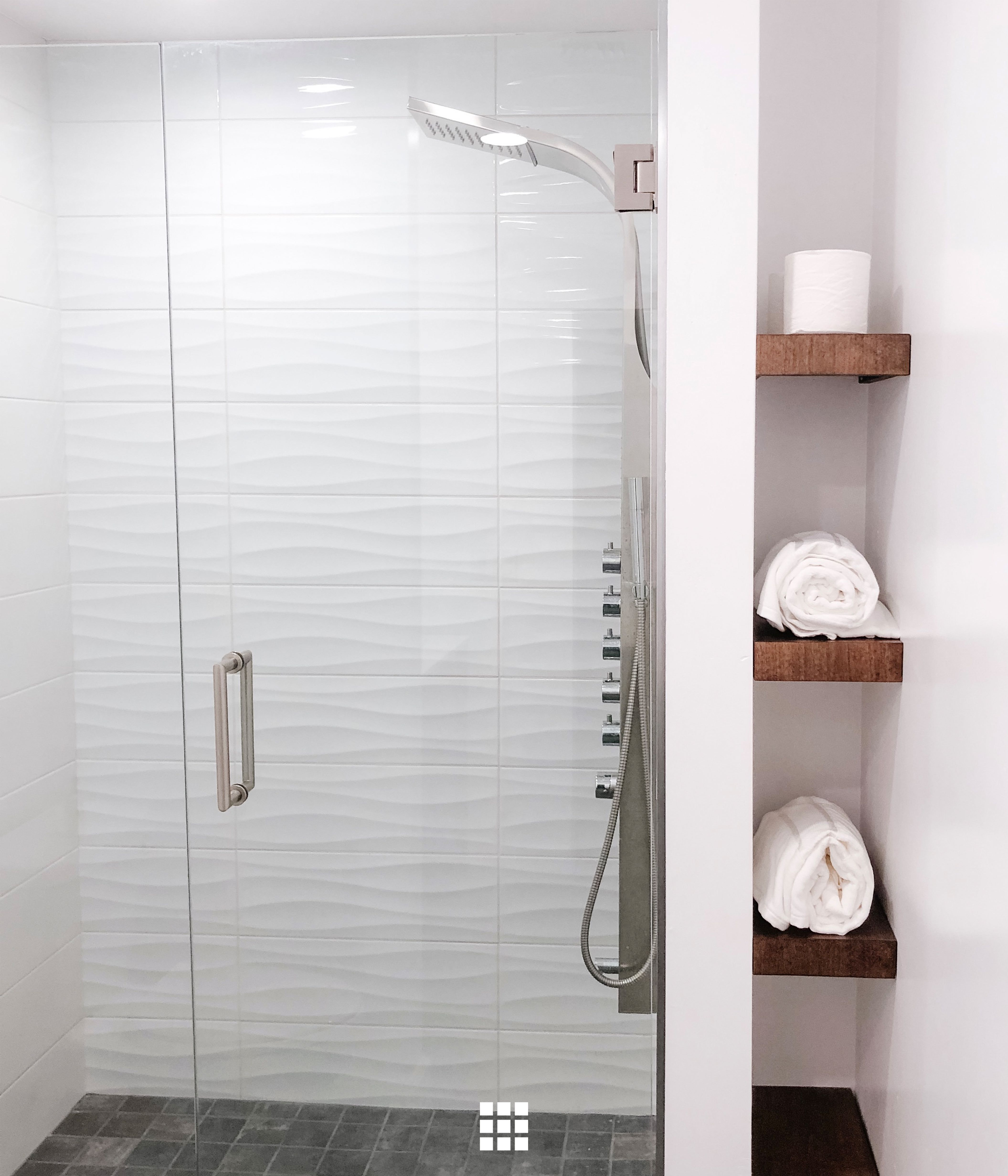 We Couldn T Resist Sharing This Gorgeous Bathroom By Ocotillo House And Home Head To The Bathroom Tile Designs Bathroom Shower Walls Bathroom Interior Design