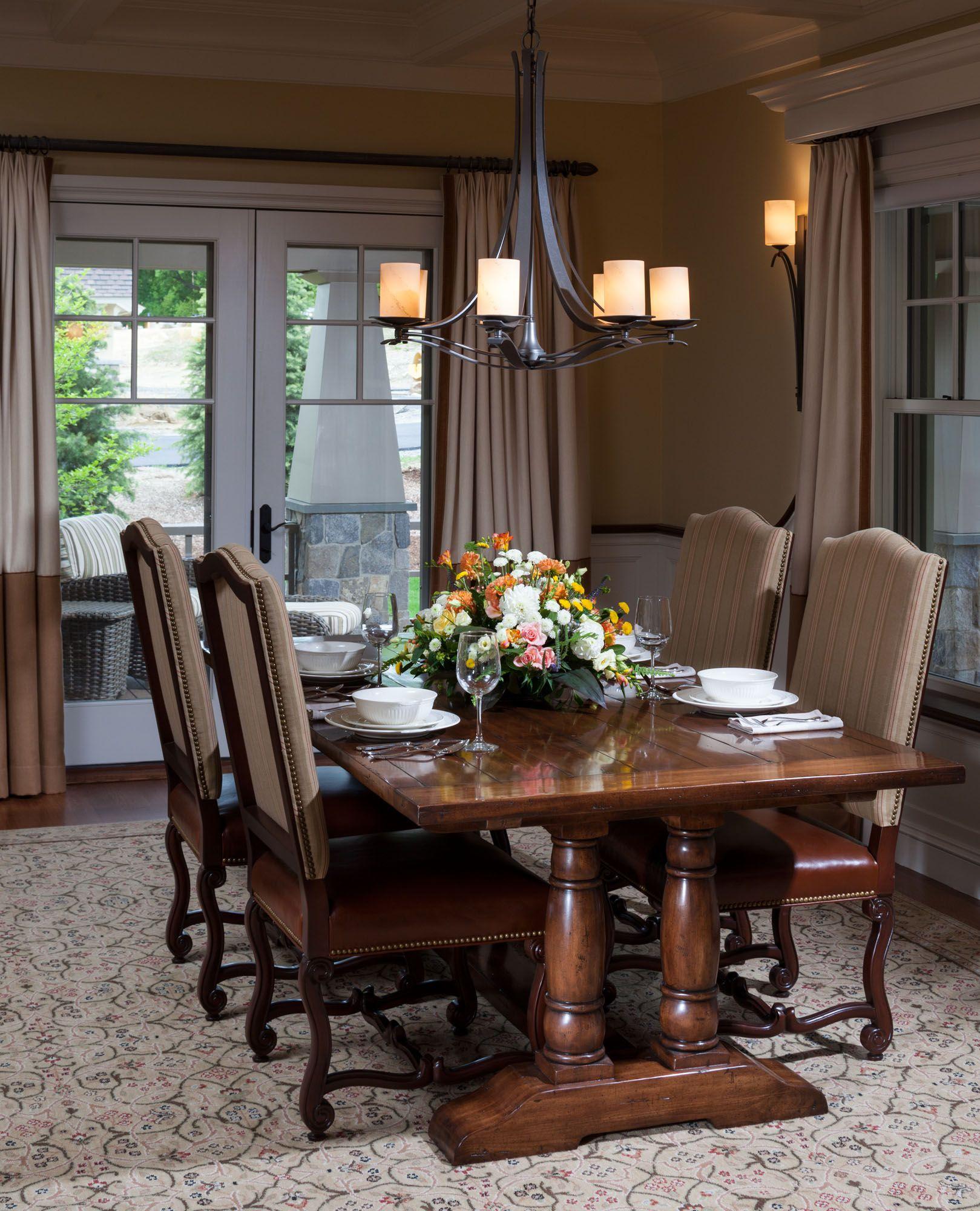 CEBULA DESIGN: Dining Room in Newbury, MA #cebuladesign #interiordesign #diningroom