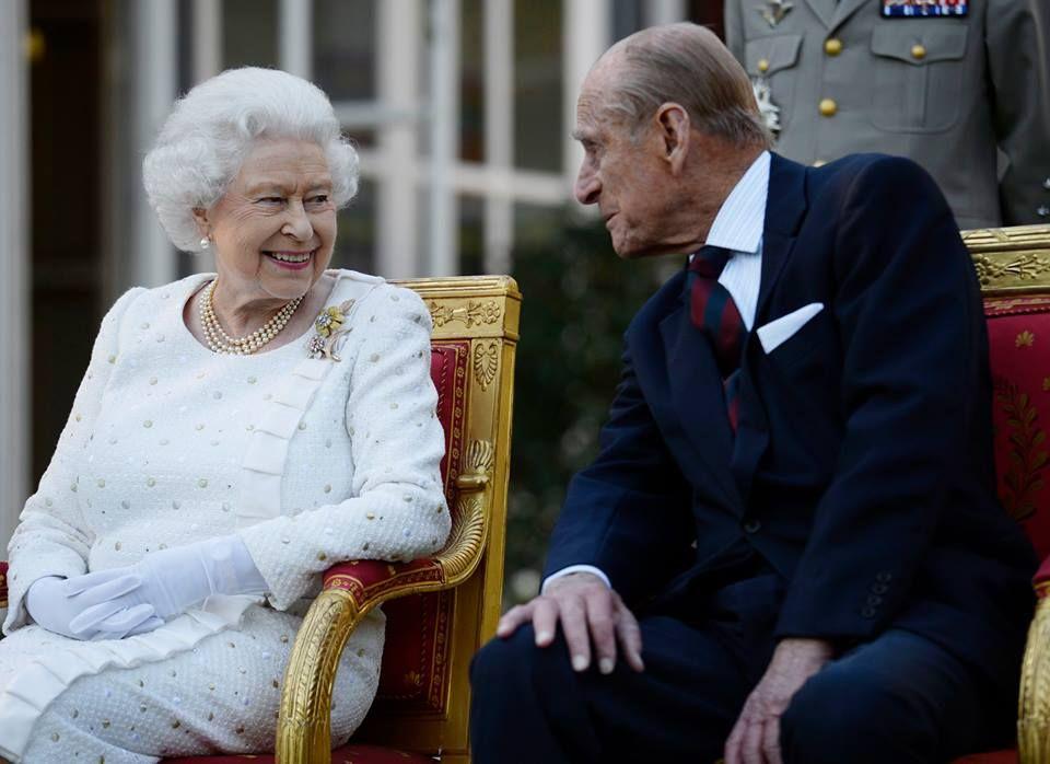 67 ans de mariage et du love plein les yeux : la reine et le duc d'Edimbourg nous feraient presque oublier Kate et William.