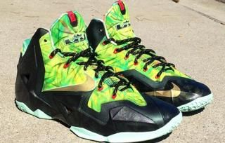 4c51c317fd2fe Nike LeBron 11