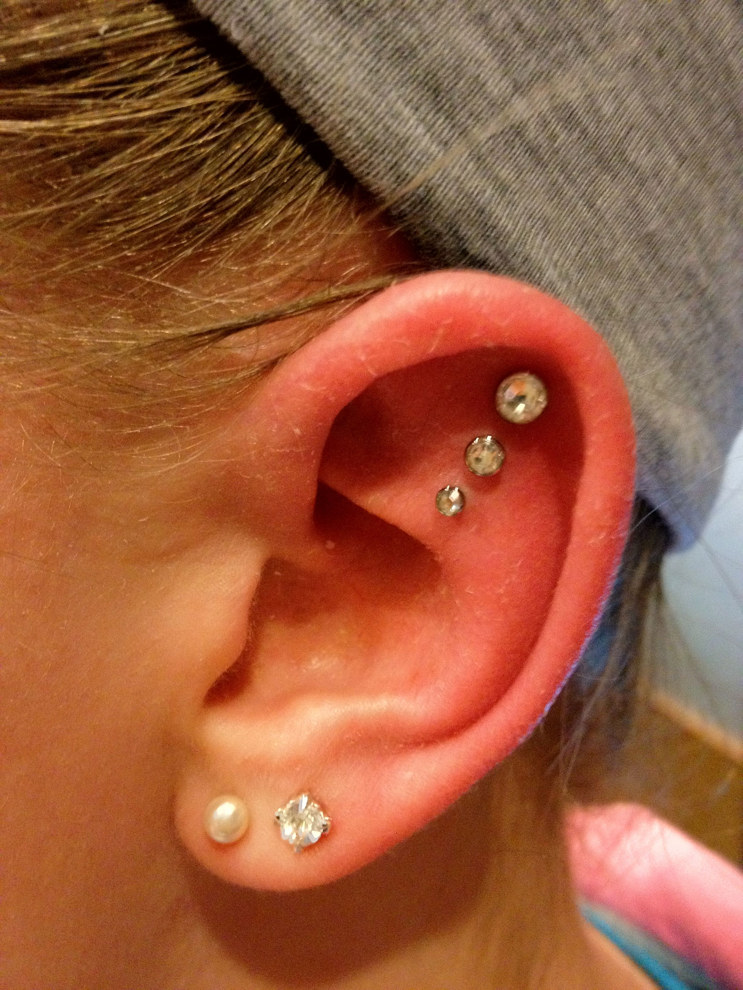 Triple swarkovski crystal inner cartilage piercing ...