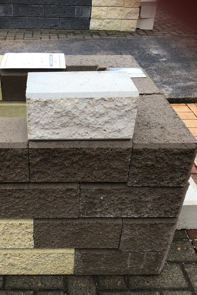 Linear Wall Retainingwallblocks Are Now Available In A Brand New Colour Beach We Have A Sample So You Can S Retaining Wall Blocks Paver Retaining Wall