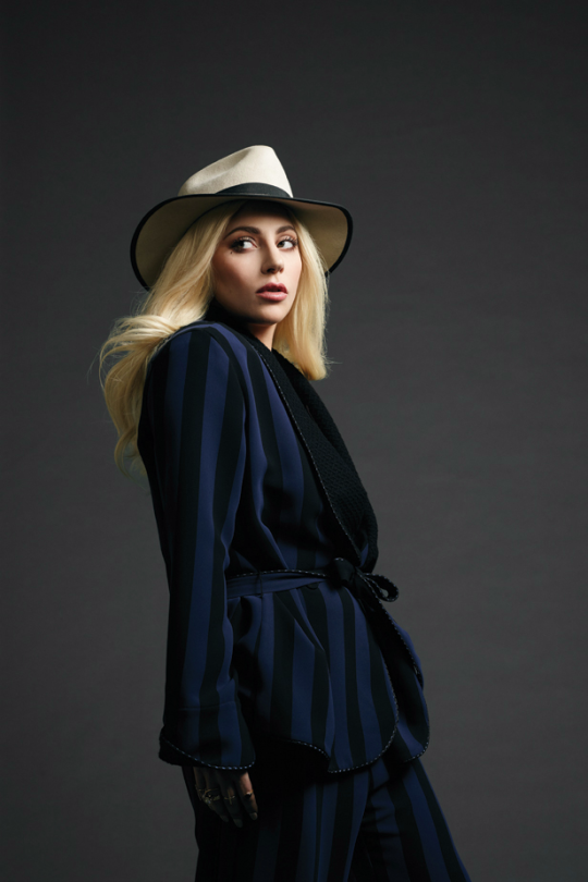 """""""'In a sense I portray myself in a very androgynous way, and I love androgyny.'"""" Lady Gaga"""