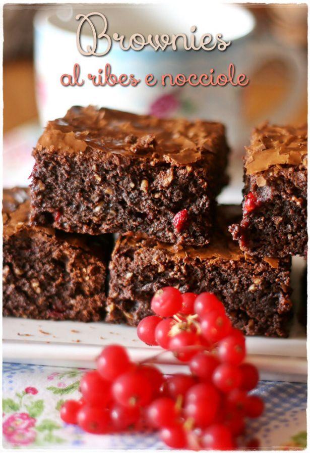 Brownies al ribes e nocciole