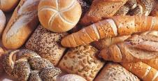 La quotidiana freschezza dei fornai della zona e i dolci della tradizione locale direttamente dalle ricette della nonna.