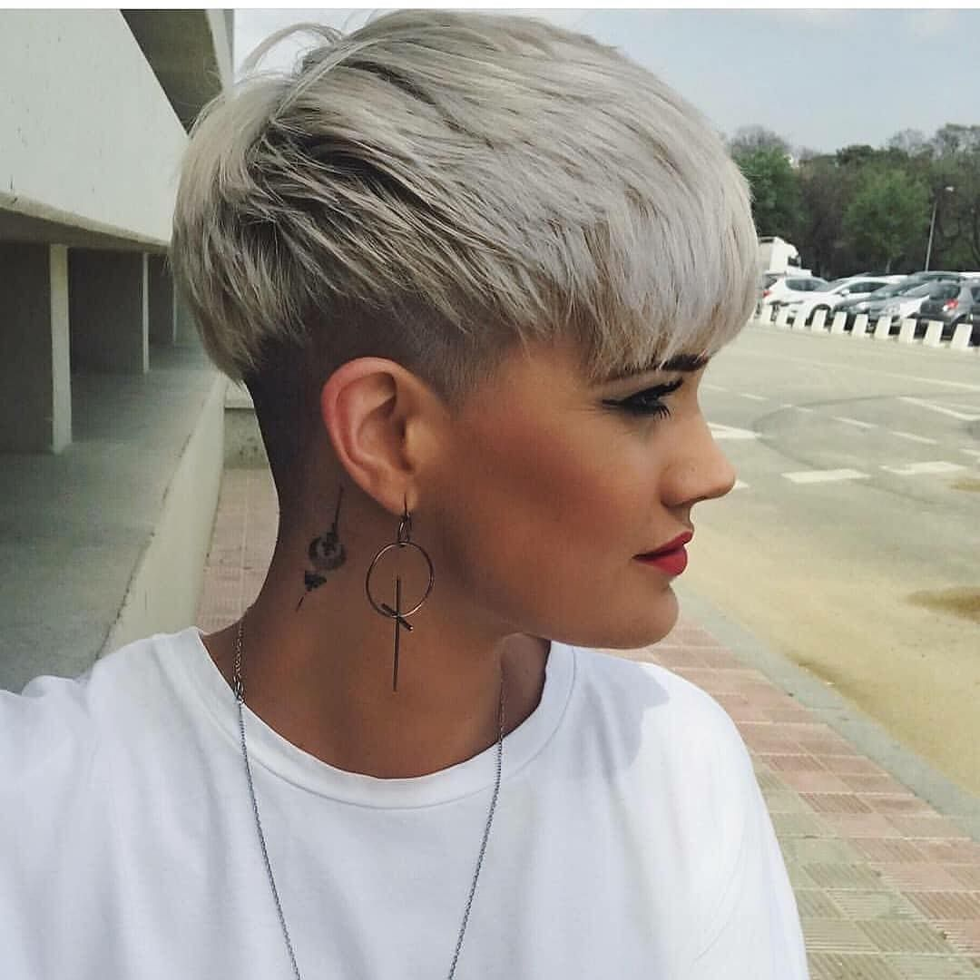 "CapelliStyle on Instagram: ""#model 👉🏻 @sandra_sinh . . #styleblogger 👉 @capellistyle.it . . . #blondehair #pixiecut"""