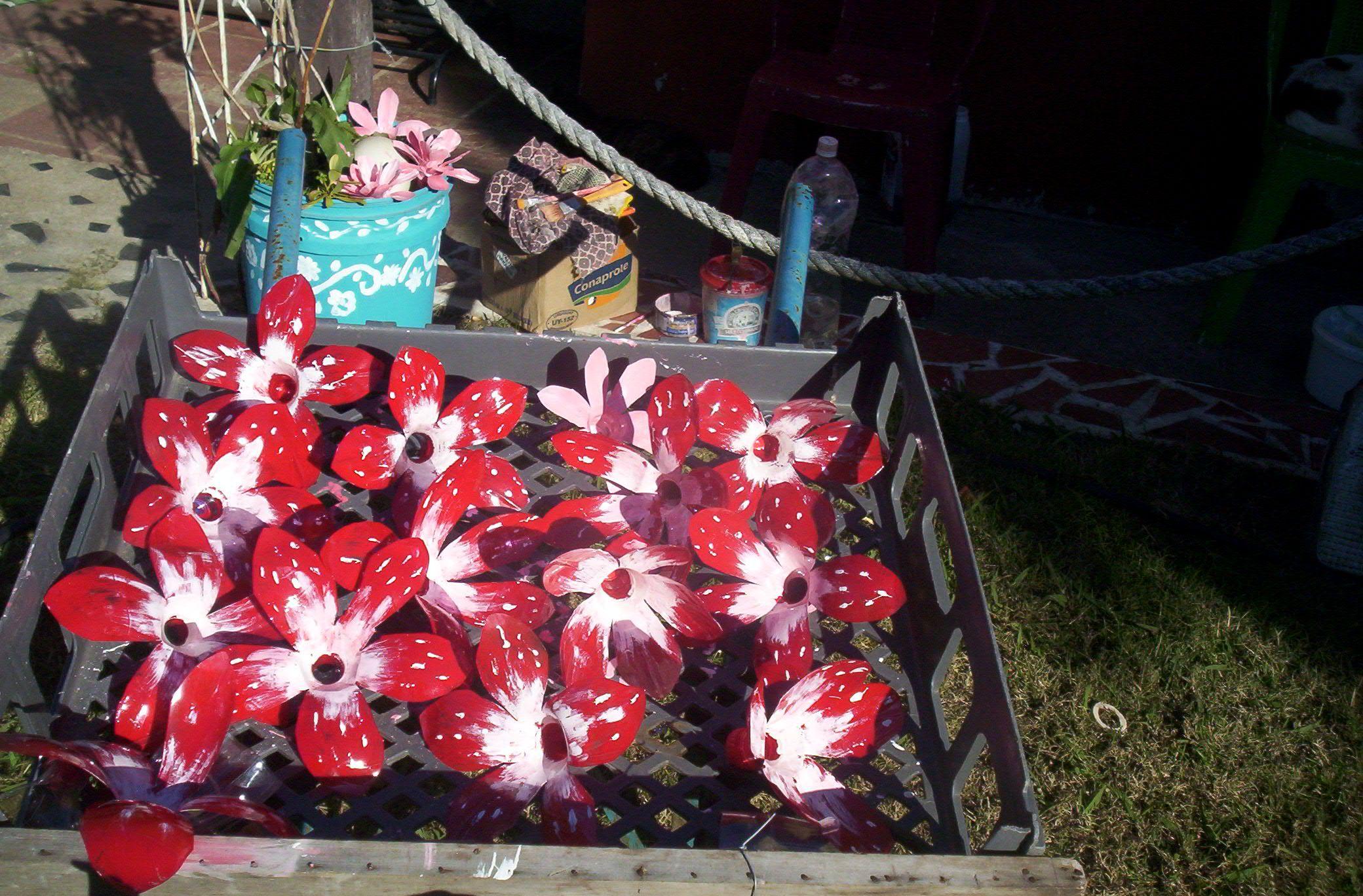 Flores con picos de botellas pet , en breve subiré tutorial