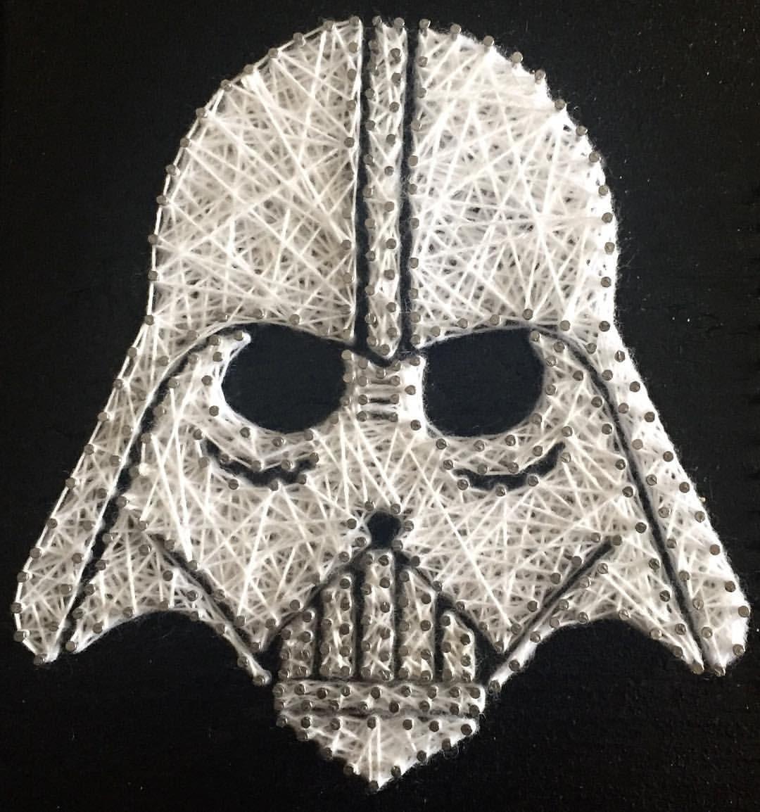 "Cuadro String Art ""Darth Vader"" #hilorama #clavos #hilos #nails #wood #homemade #diy #manualidades #stringart #fils #madera #string #hechoamano #manualitats #darthvader #starwars #decoracion #decoration #decoracio #claus"