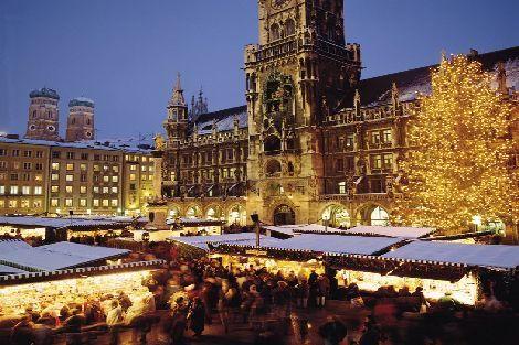 Marienplatz Weihnachtsmarkt.Christkindlmarkt Marienplatz München Deutschland Travel