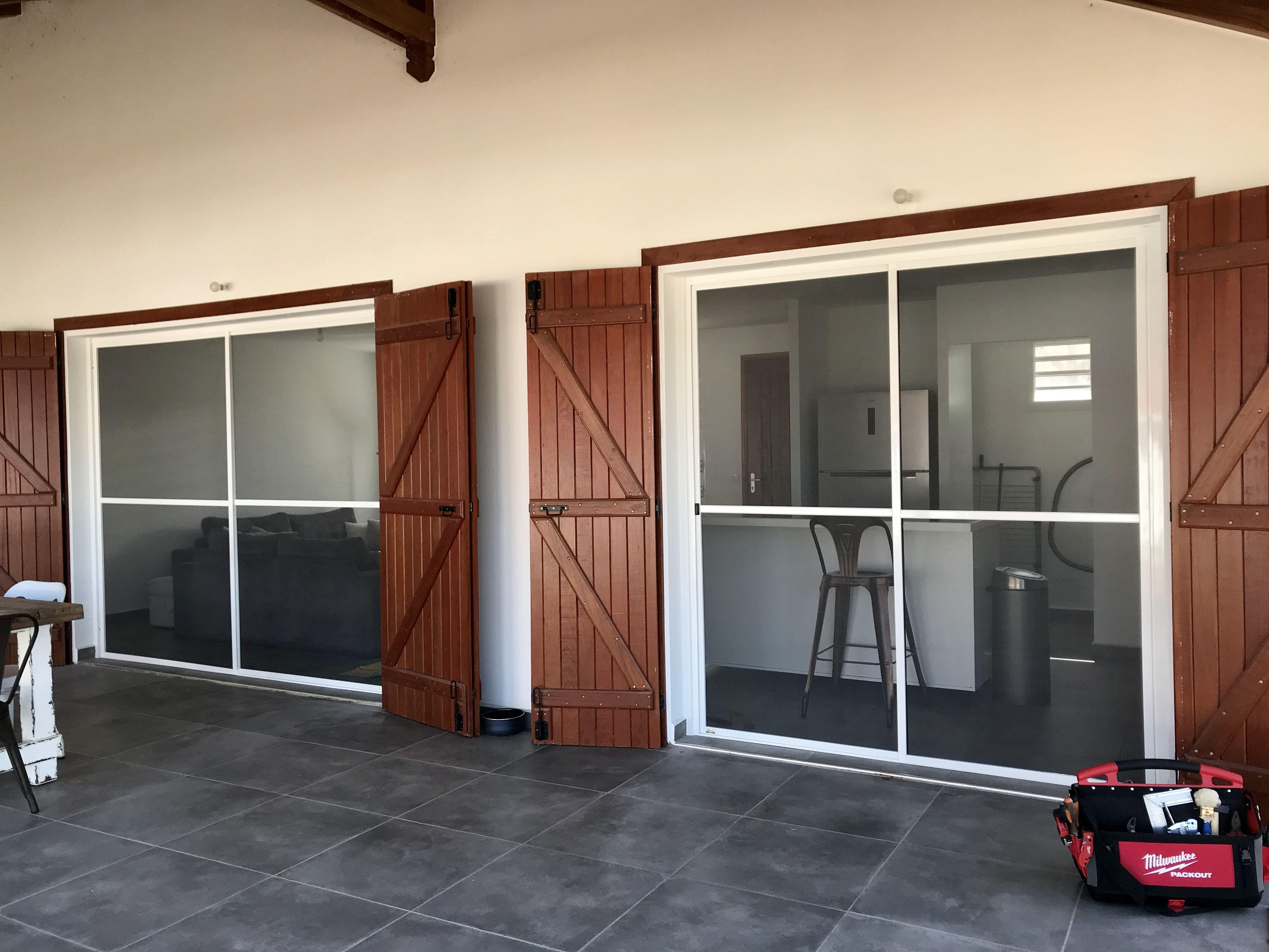 Fabrication Et Pose De Moustiquaires En Guadeloupe Moustiquaire