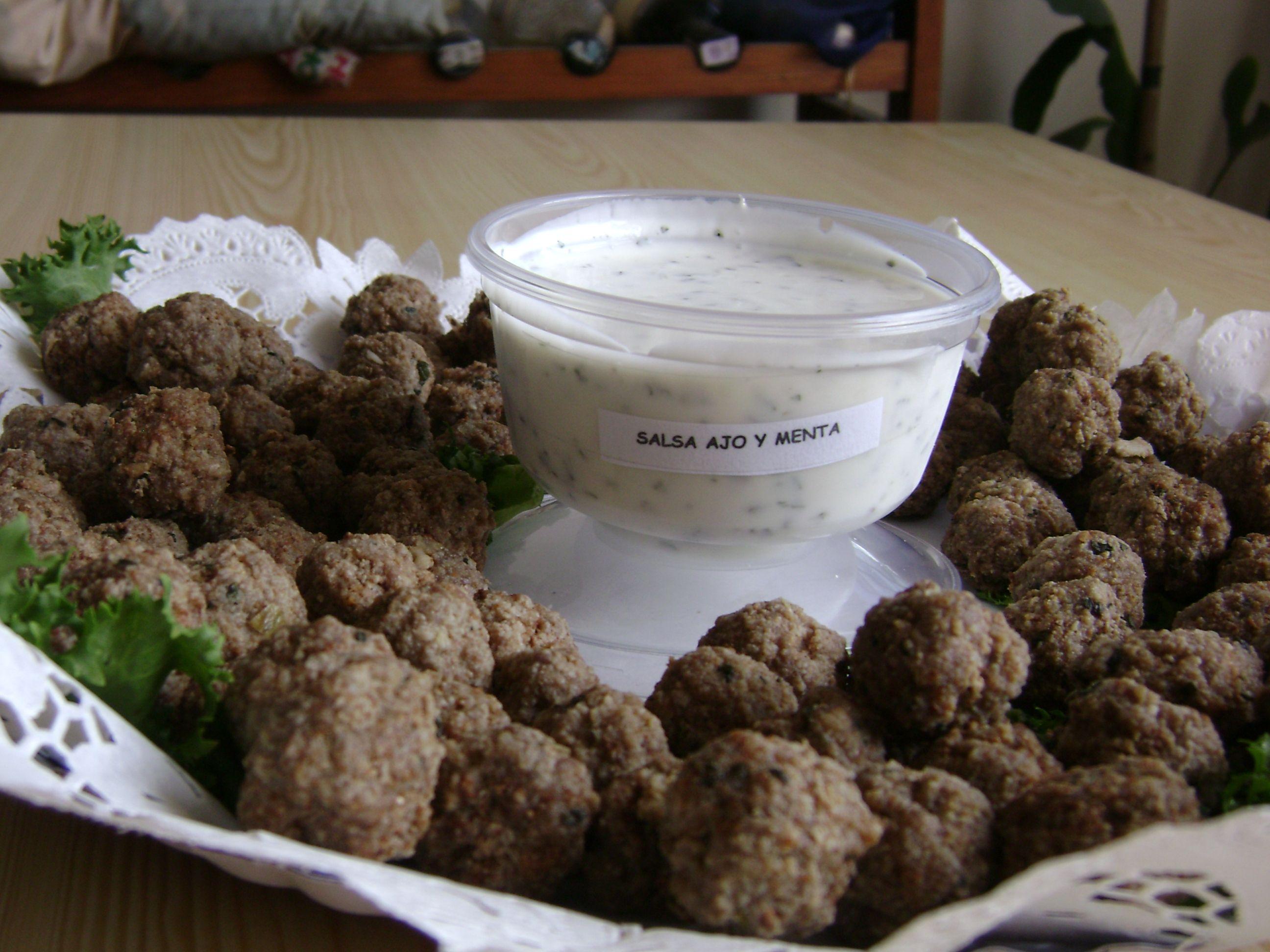 Bolitas De Carne A La Menta Y Salsa De Yogurt Con Menta Food Almond