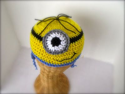 Super easy project. Minion crochet beanie. Tutorial link, with full ...