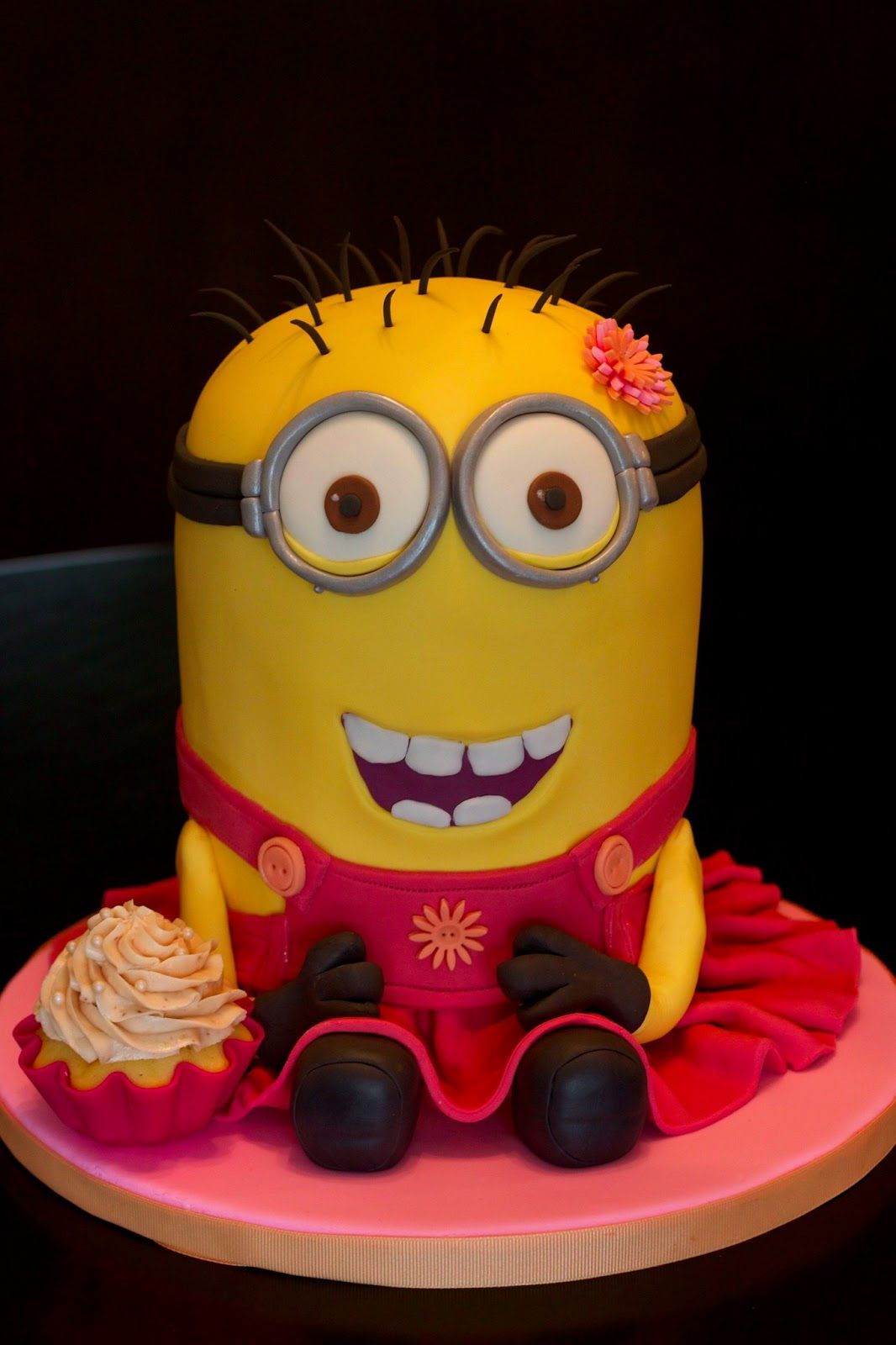Girl minion cake 3d Ella Pinterest Girl minion cake Girl