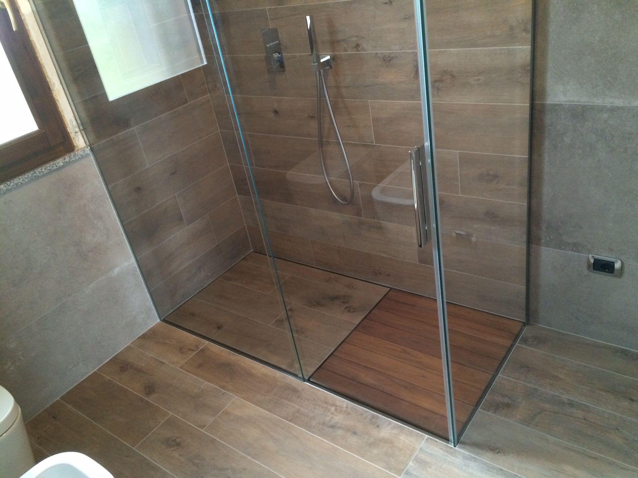 Microcemento bagno ~ Piattodoccia #filopavimento personalizzato con #piastrelle simil