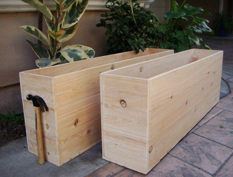 fabriquer des bacs fleurs en lattes de bois pour les plantes vertes sur la terrasse palettes. Black Bedroom Furniture Sets. Home Design Ideas