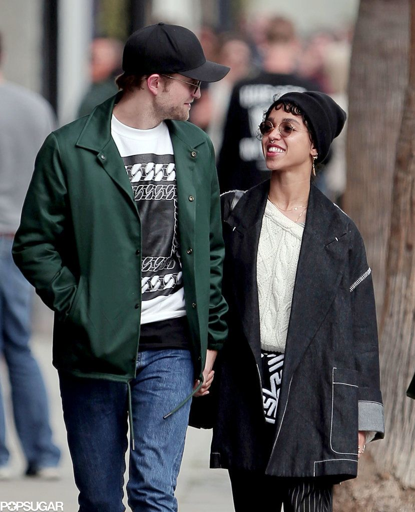 Robert Pattinson and FKA Twigs Take a Smiley Stroll — Is This Her Engagement Ring? | Robert pattinson, Robert pattinson fka twigs, Cute celebrity couples