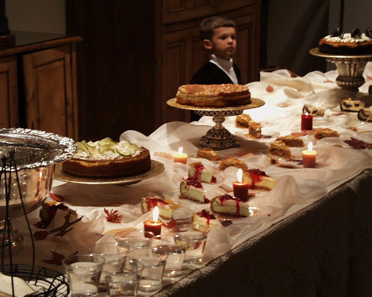 Cheesecake Buffet Instead Of Wedding Cake