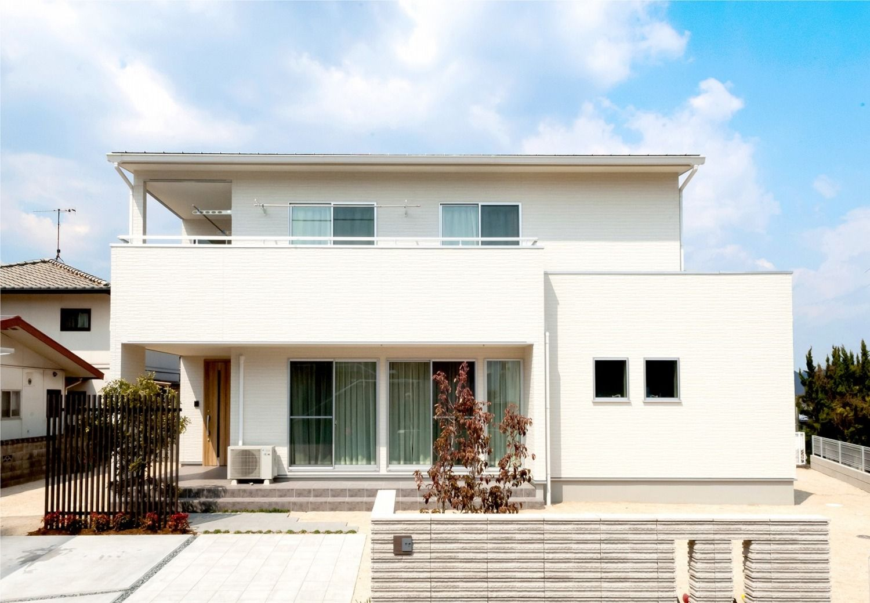 白が基調のスタイリッシュモダンな家 画像あり ホームウェア