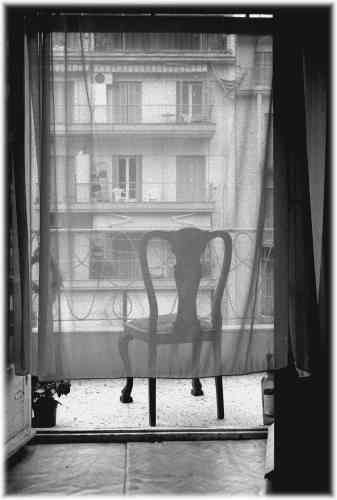 Henri Cartier Bresson The seat is only empty because the person left us! Ohh what a life we missed...
