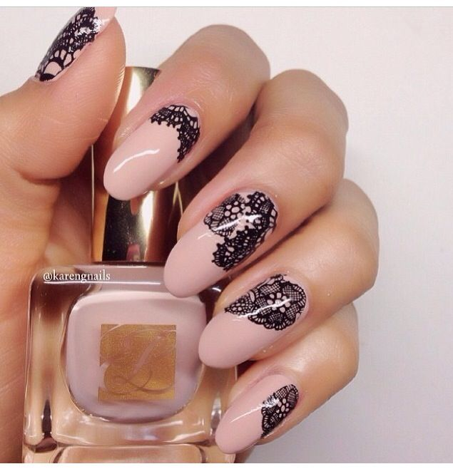 Lace Manicure. Very cute and muy chic. #Nails