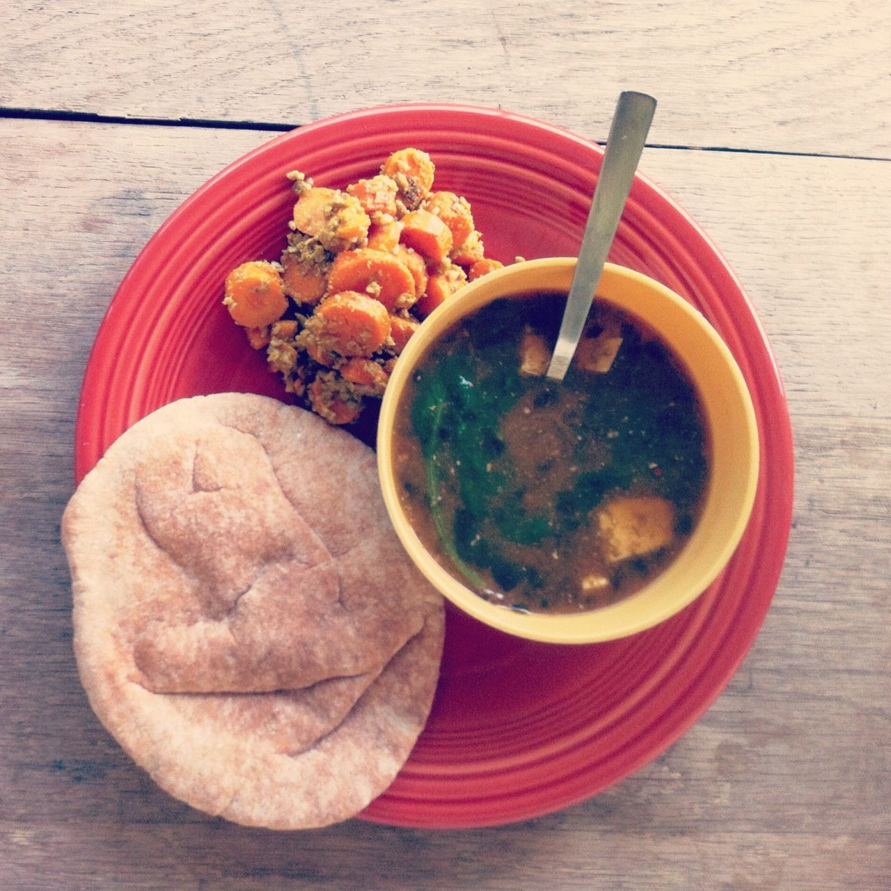braylonwarr:    thai miso soup + curried carrots + pita bread [DELICIOUS]