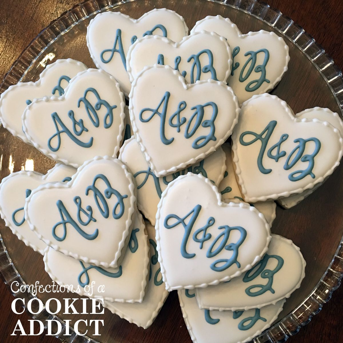 Pin by A Cookie Addict on Wedding & Engagement Cookies in ...