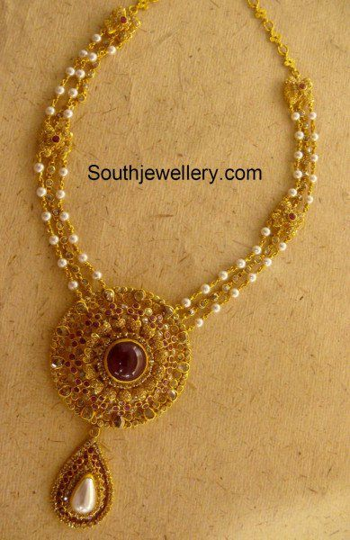 Pearls Necklace with Uncut Pendant photo jewelry necklace