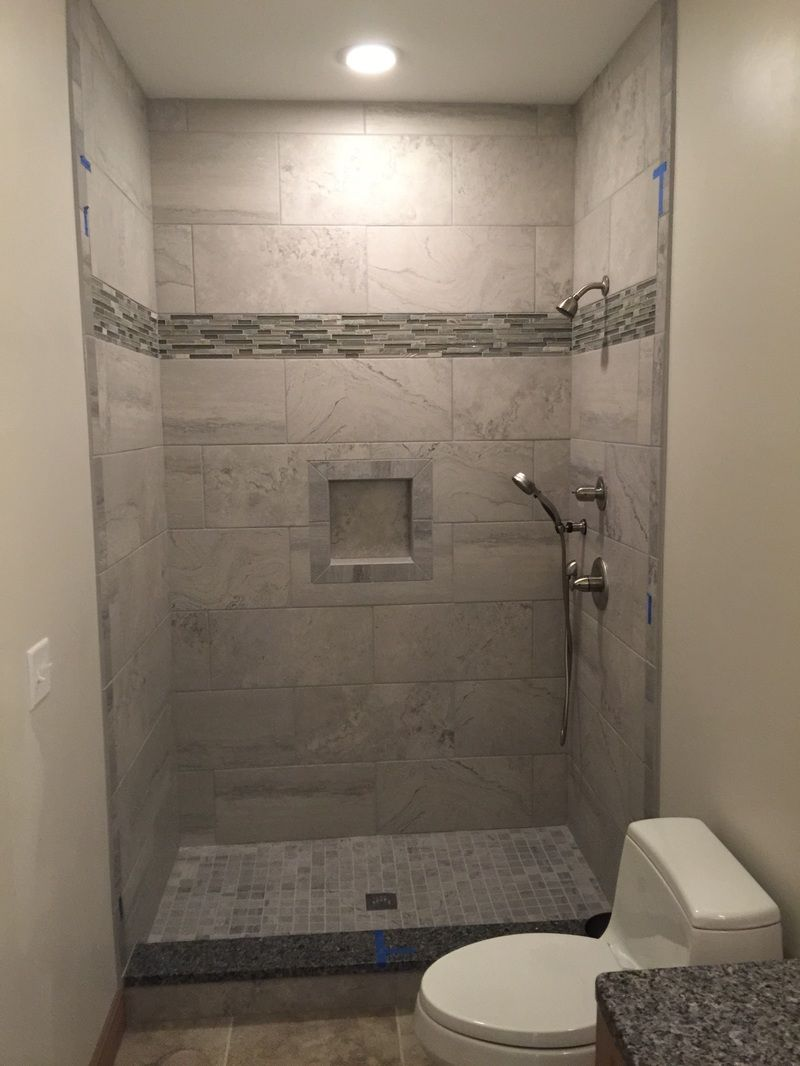 3x3 grey wall tiles, shower niche, 3x3 mosaic floor, glass